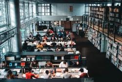 Đại học bách khoa tiếng Anh là gì?