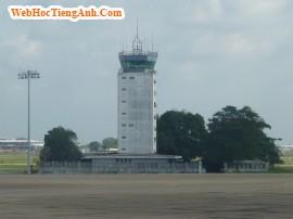 Tình huống 54: Hoãn chuyến bay - tiếng Anh thương mại (Anh-Việt).