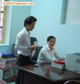 Tình huống 57: Giúp đỡ người khác - Tiếng Anh công sở (Việt-Anh)
